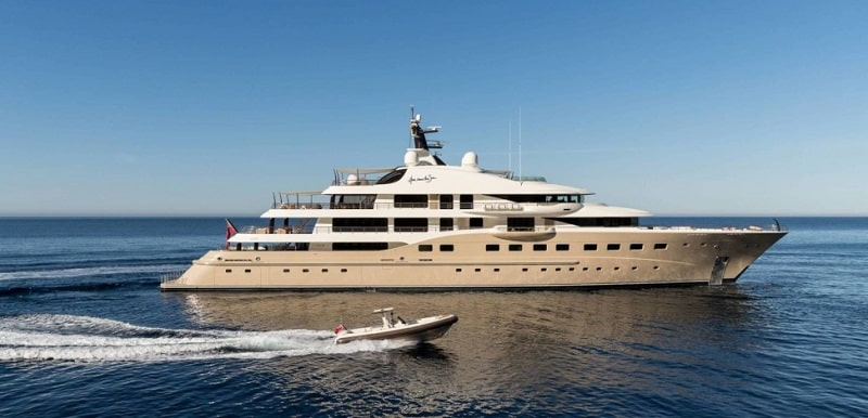 Top 10 Luxury Yacht Charter Options for a Heavenly Getaway