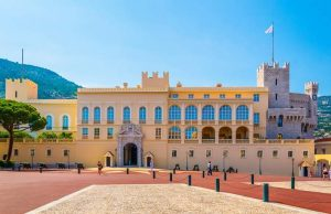 monaco traditions palace of the prince